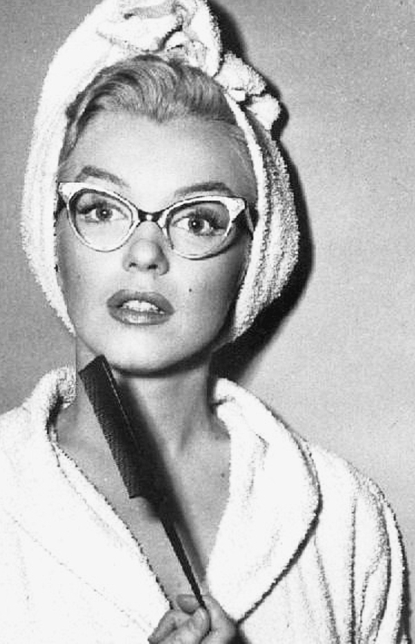marilyn monroe quotes about beauty. marilyn monroe, bathrobe