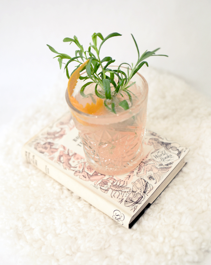 grapefruit cocktail gin martini thyme 1